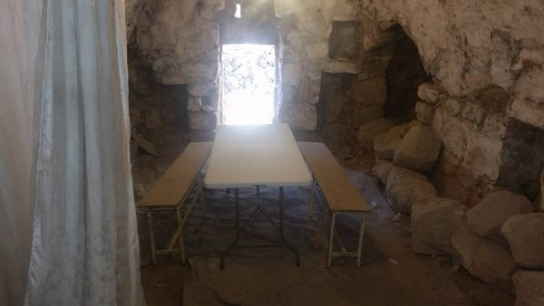 New table in the ancient synagogue in Hevron.