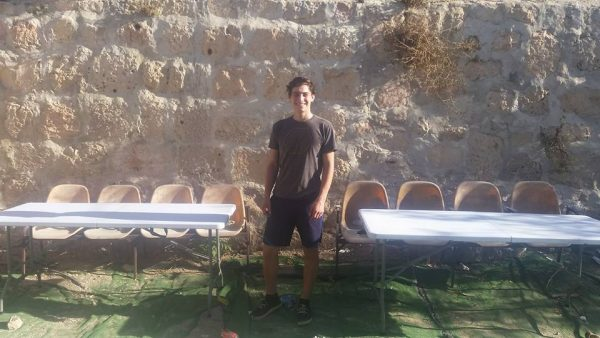 New tables for the outdoor study hall in Hevron.