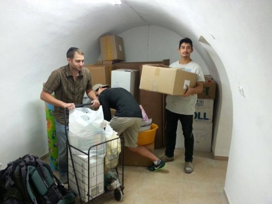 We helped a Jewish Family move into a new Jewish property in the Muslim quarter of the old city!