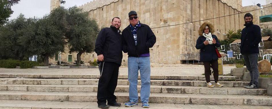 world says no Jews in Hevron,