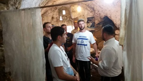 Telling the story of the restoration of the ancient synagogue